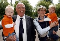 Family photo of the , married to Petra Bosman, famous for  En een persconferentie tot slot...